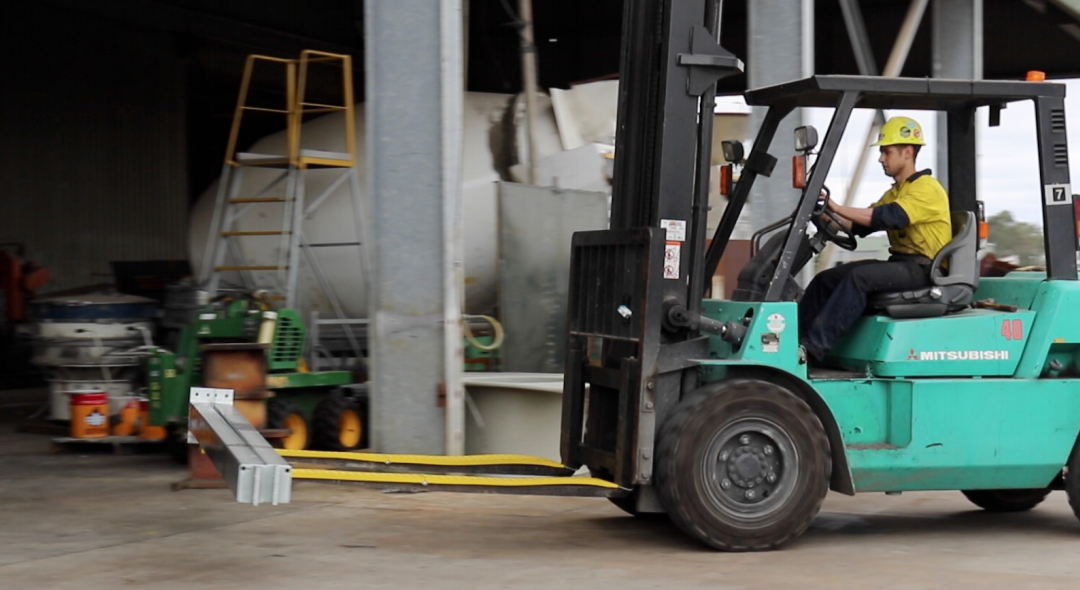 How GenieGrips Increase Safety When Transporting Metal or Plastic